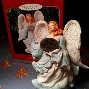 HALLMARK KEEPSAKE ANGEL ORNAMENT